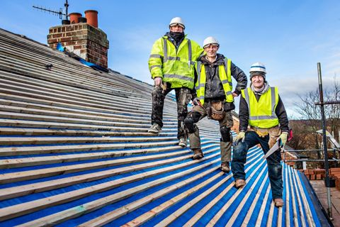 Selecting From The Wide Variety Of Roofing Contractors